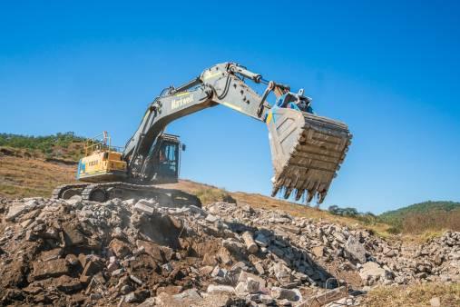 46 Tonne Excavator for hire