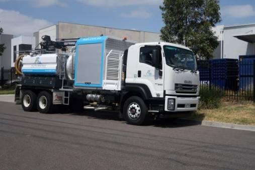 8,000  Litre Vacuum Truck for hire