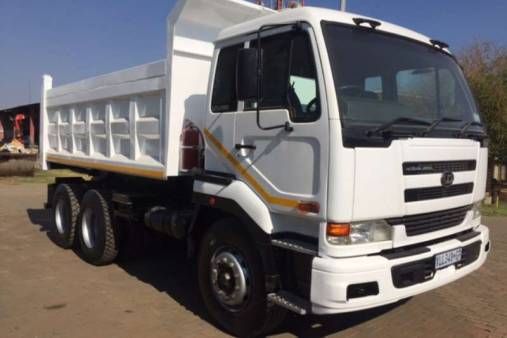 10m Tipper Truck for hire
