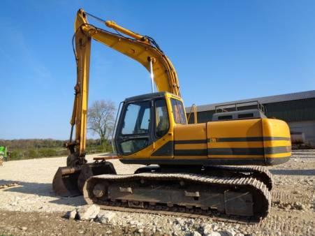 20 Tonne Excavator for hire