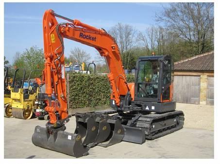 Mini Excavator 7.5 Tonne for hire