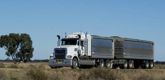 Tipper Truck (Truck & Dog / Tandem) for hire