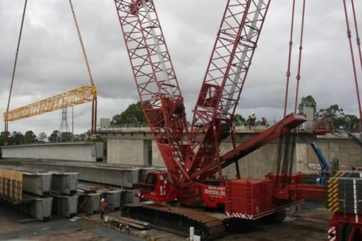 Manitowoc M16000 400 Tonne Crawler Crane