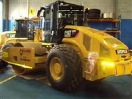 17 Tonne Smooth Drum Roller for hire